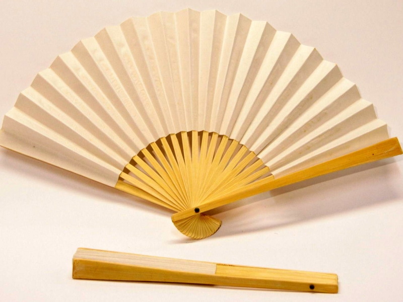 23cm Off-White Bamboo Fan