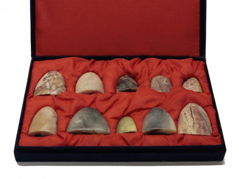 Irregular Pebble Shaped Seal Stone Set
