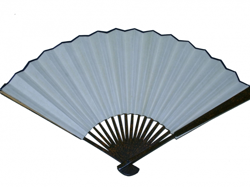 26cm Laquered Dark Speckled Brown Bamboo Fan