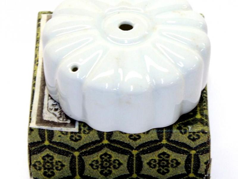 細白色圓型水滴 7cm White Flower Water Dropper