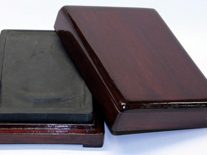端硯木合裝細 Small Artist Grade Ink Stone in Wooden Box